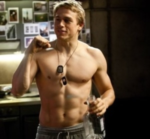 charlie hunnam shirtless pacific rim
